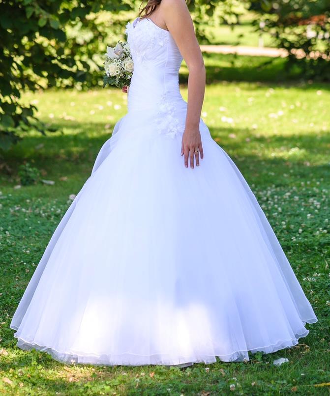 SIRÁLY Ruhatisztító Szalon Eladó menyasszonyi ruha Ruhatisztítás ... 4da406bc34